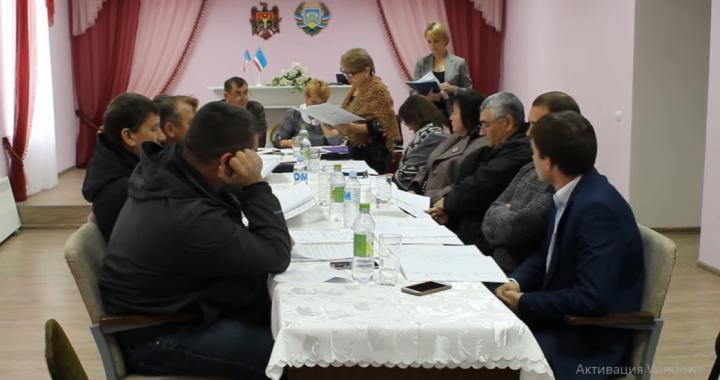 Состоялось внеочередное заседание местного Совета села Чишмикиой