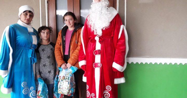 Примар Чишмикиоя выражает благодарность Екатерине Жековой за новогодние подарки для детей села