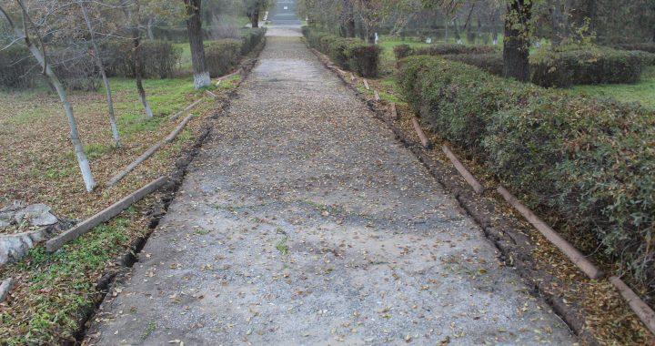 В селе Чишмикиой реализуется проект по реконструкции центрального парка.