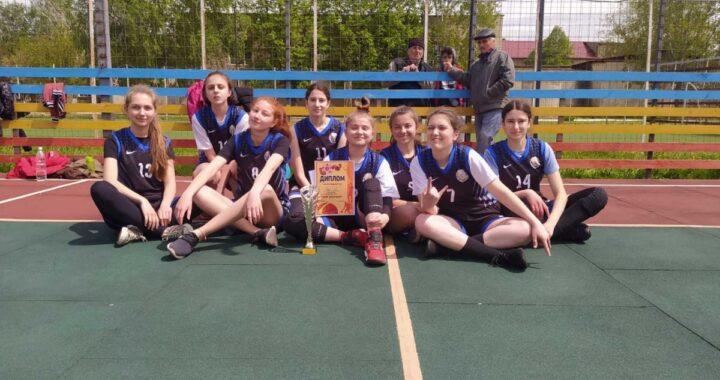 Команда девочек из села Чишмикиой заняла первое место в турнире по баскетболу